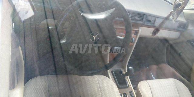 Voiture Mercedes benz R250 1986 à sala-al-jadida  Diesel  - 8 chevaux