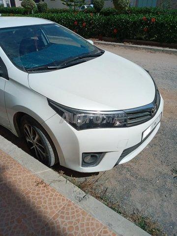 Voiture Toyota Corolla 2014 à rabat  Diesel  - 5 chevaux