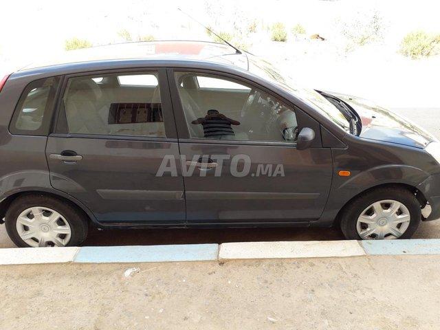 Ford Fiesta Essence - 4