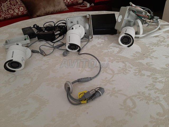 كاميرات مواقبة - 1