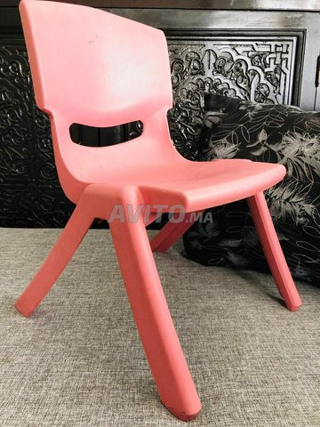 Chaise. cache chasse. cartable rouge cars - 1