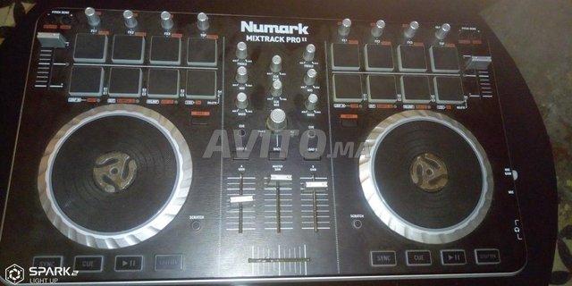 table de DJ de mixage - 1