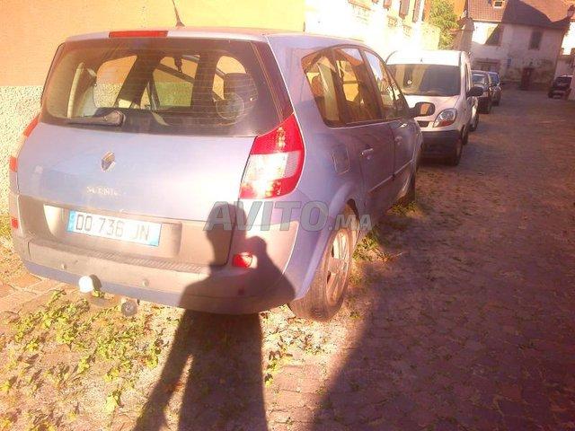 à la casse de Rabat GRAND-SCENIC-2-PHASE 1 2005 - 1