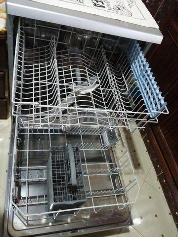 Lave-vaisselle  très bon état  - 3