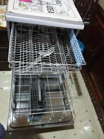 Lave-vaisselle  très bon état  - 6