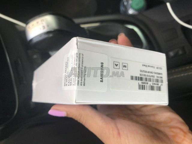 Samsung M10 neuf encore fermer  - 3