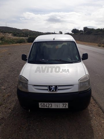 Voiture Peugeot Partner 2011 à taza  Diesel  - 7 chevaux