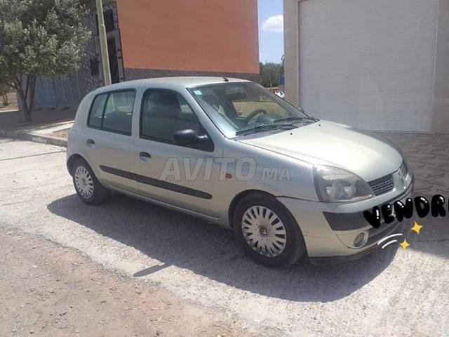 Voiture Renault Clio 2002 à salé  Diesel  - 7 chevaux