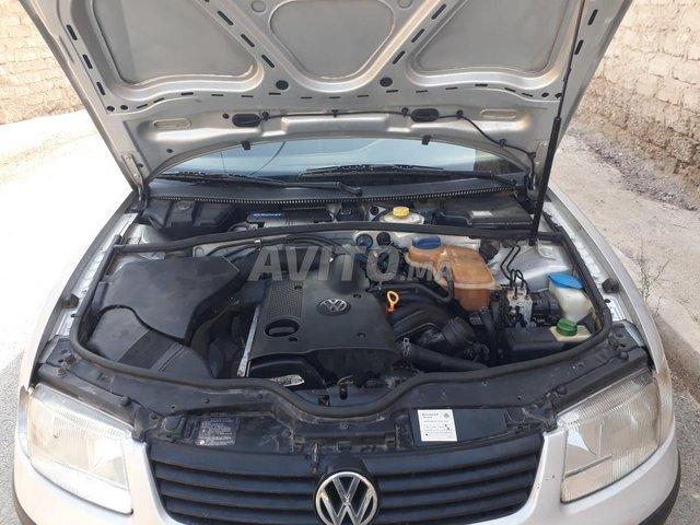 Voiture Volkswagen Passat 1999 à taourirt  Essence  - 9 chevaux