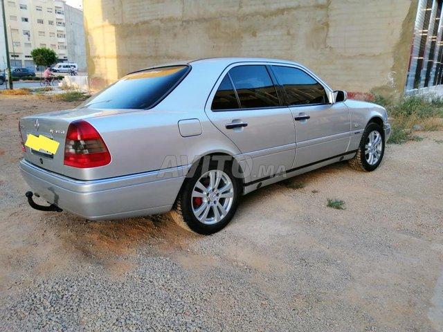 Voiture Mercedes benz Classe c 1998 à meknès  Diesel  - 10 chevaux