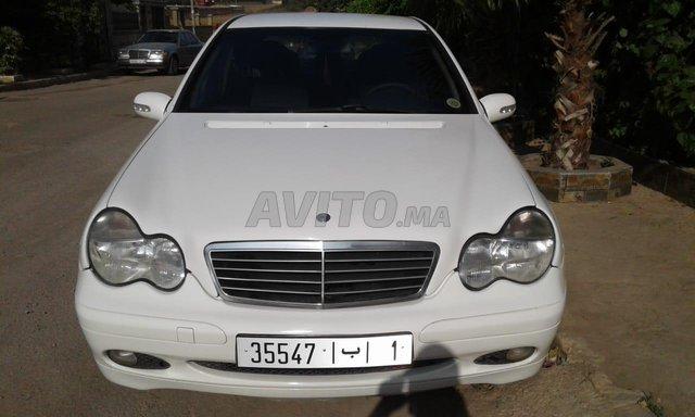 Voiture Mercedes benz 220 2003 à casablanca  Diesel  - 9 chevaux