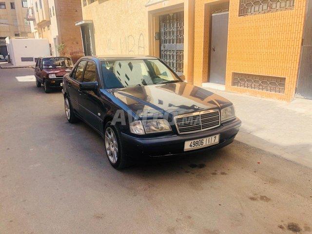 Voiture Mercedes benz 220 1999 à temara  Diesel  - 9 chevaux