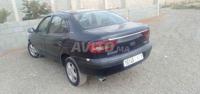 Voiture Renault Megane 2000 à chichaoua  Diesel  - 7 chevaux