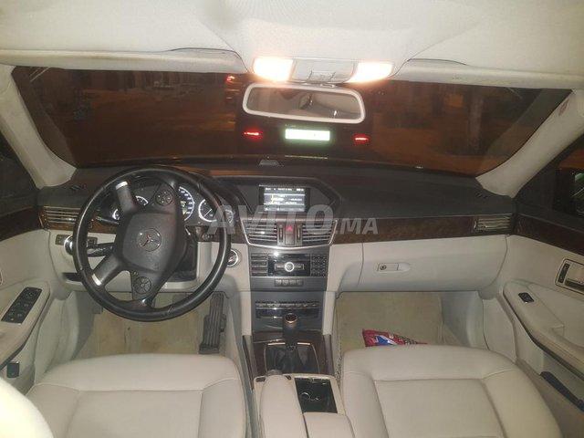 Voiture Mercedes benz Classe e 2012 à kénitra  Diesel  - 9 chevaux