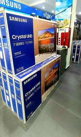 SAMSUNG 55 POUCES SÉRIE 7 CRYSTAL UHD GAMME 2020 - 2