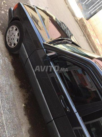 Voiture Mercedes benz R190 1993 à oujda  Diesel  - 10 chevaux