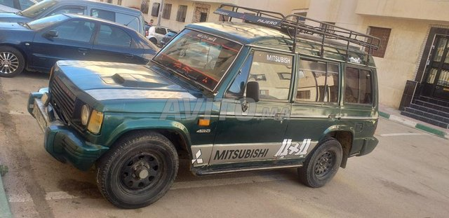 Voiture Mitsubishi Pajero 1985 à tanger  Diesel  - 10 chevaux