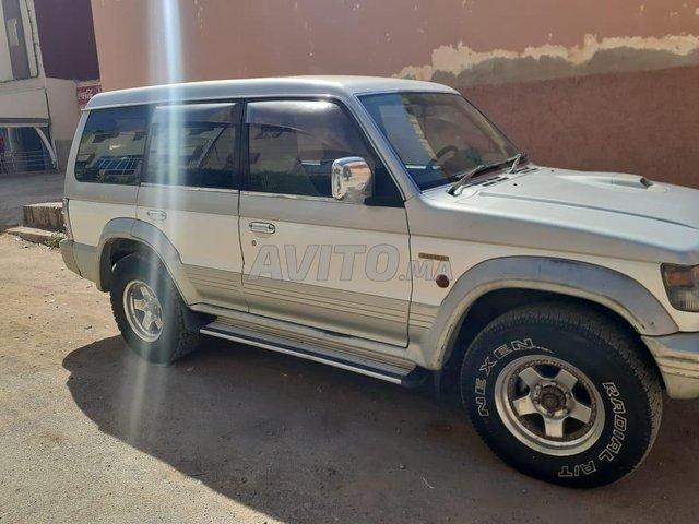 Voiture Mitsubishi Pajero 1991 à taourirt  Diesel  - 10 chevaux