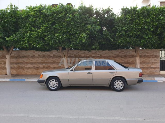 Voiture Mercedes benz R250 1992 à nador  Diesel  - 9 chevaux