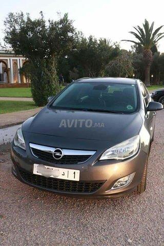 Voiture Opel Astra 2012 à nador  Diesel  - 7 chevaux