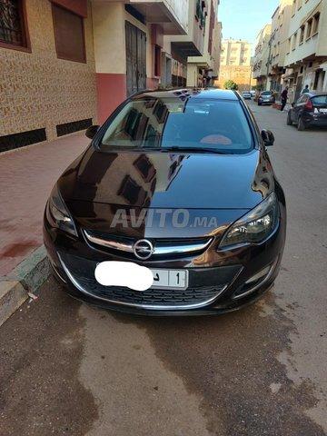 Voiture Opel Astra 2014 à salé  Diesel  - 7 chevaux