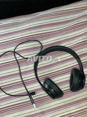 Beats Solo 3 Wireless Noir avec un câble Original  - 1