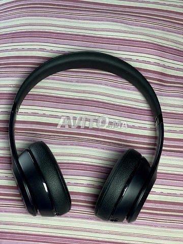 Beats Solo 3 Wireless Noir avec un câble Original  - 6