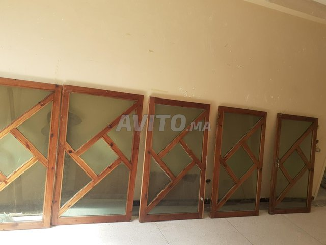fenêtre à bois rouge - 2