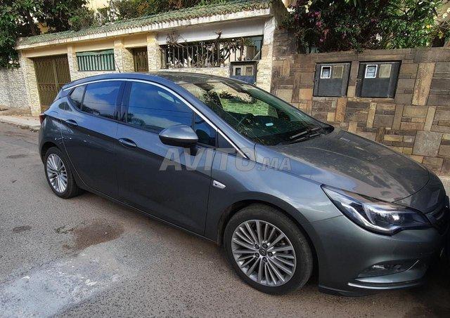 Voiture Opel Astra 2020 à casablanca  Diesel  - 6 chevaux