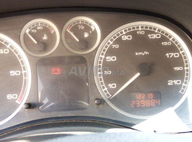 سيارة في حالة جيدة واقتصادية  - 2