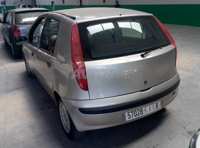 Voiture Fiat Punto 2001 à rabat  Essence  - 7 chevaux