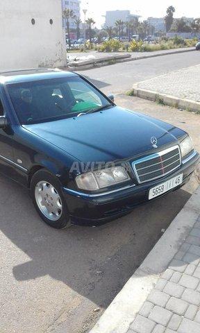 Voiture Mercedes benz 220 1998 à kénitra  Diesel  - 9 chevaux