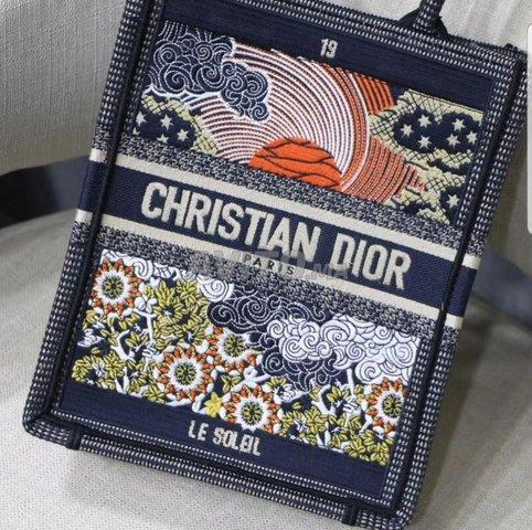 Dior Vertical Tote Sun bags  - 2