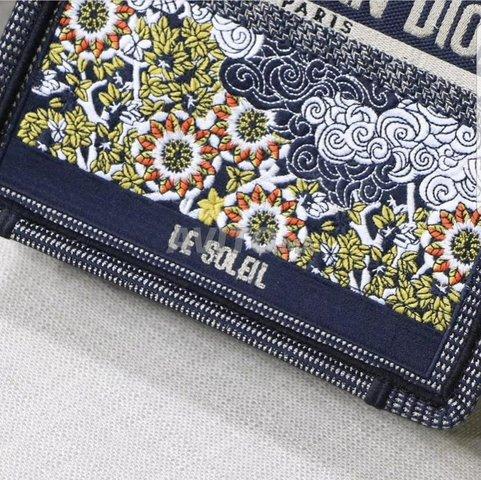 Dior Vertical Tote Sun bags  - 4