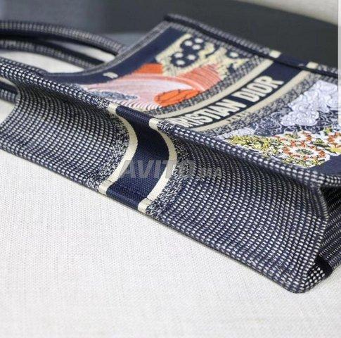 Dior Vertical Tote Sun bags  - 6