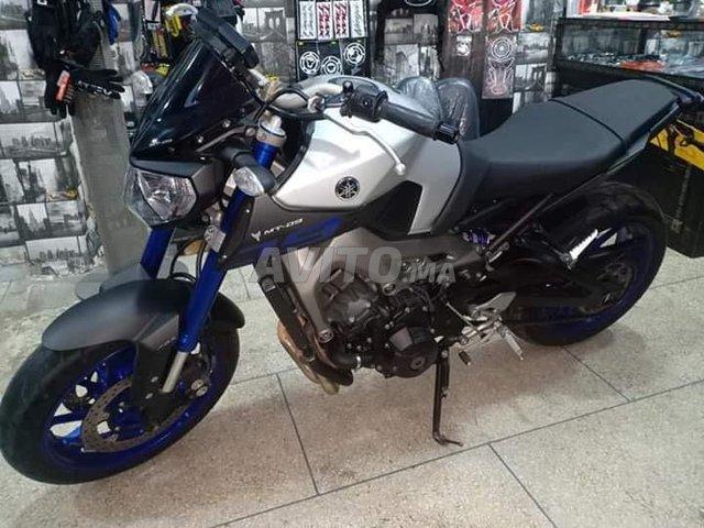Moto mt 09 - 1