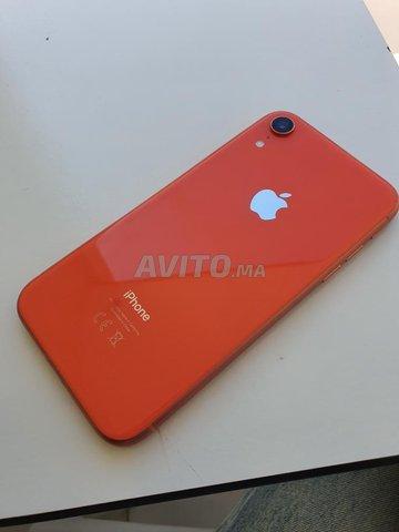 Iphone XR Corail presque neuf  - 1