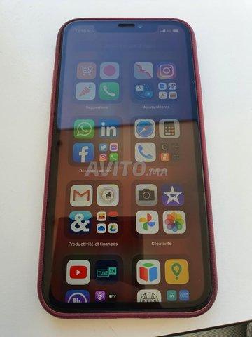 Iphone XR Corail presque neuf  - 4
