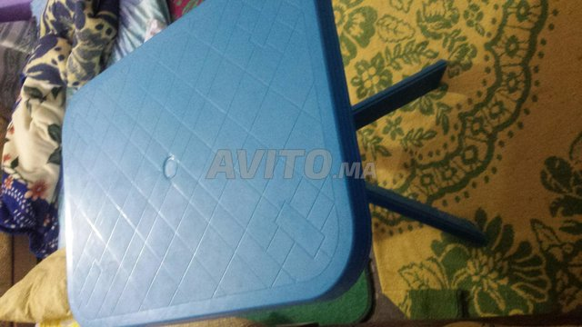 Table en Plastique - 3