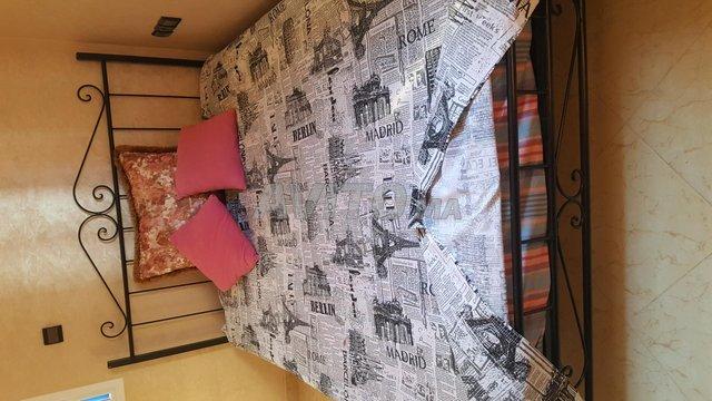 Un grand lit plus 2 lit petit - 1