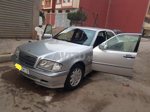 Voiture Mercedes benz R250 1999 au Maroc  Diesel  - 10 chevaux