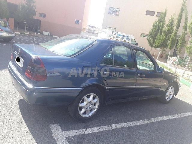 Voiture Mercedes benz R250 1998 au Maroc  Diesel  - 10 chevaux