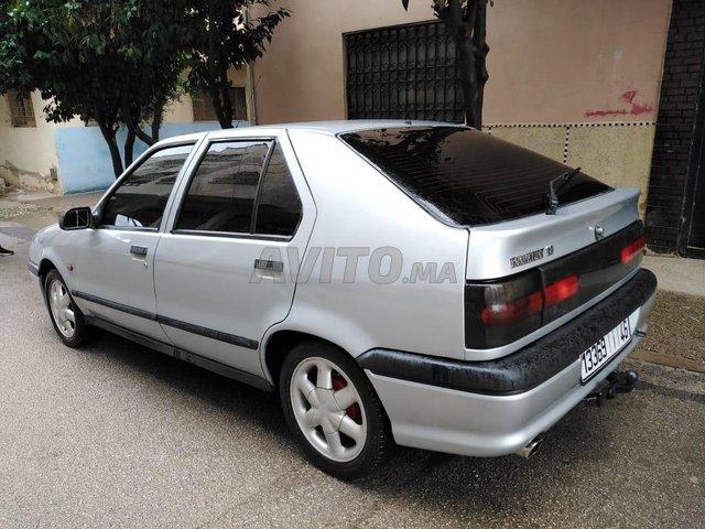 Voiture Renault R19 1995 au Maroc  Diesel  - 6 chevaux
