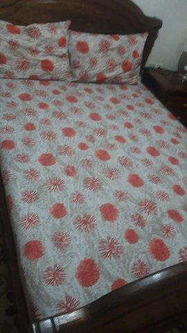 chambre a coucher en bois rouge 1er chois - 2