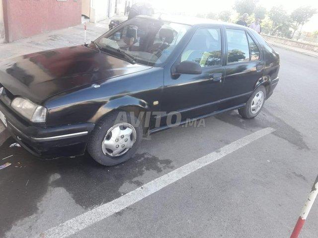 Voiture Renault R19 1992 au Maroc  Diesel  - 7 chevaux