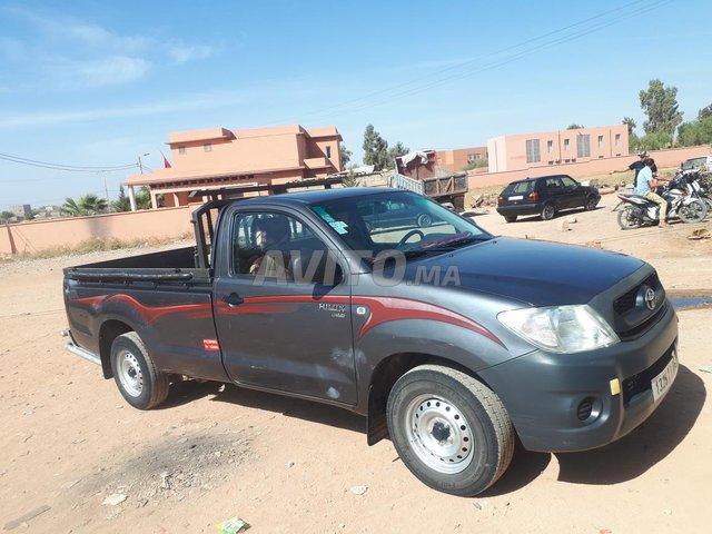 Voiture Toyota Hilux 2011 au Maroc  Diesel  - 10 chevaux