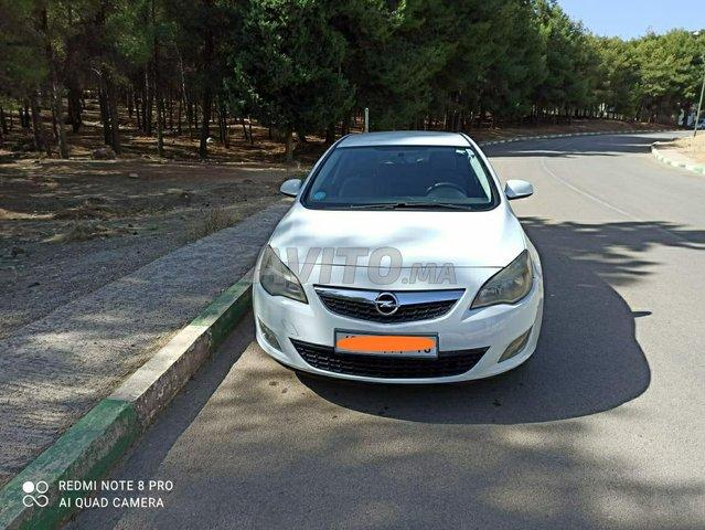 Voiture Opel Astra 2011 au Maroc  Diesel