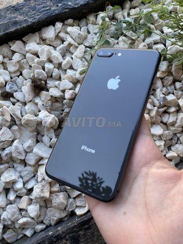 iPhone 8plus 64g gris sidéral quasiment neuf - 6