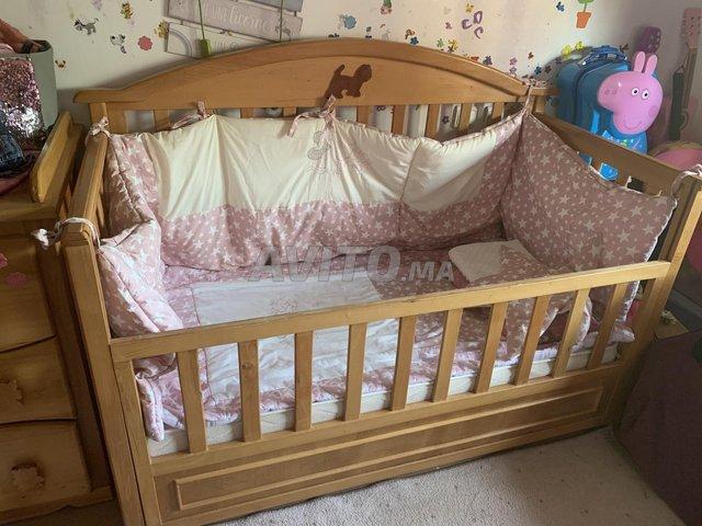 Meuble enfant lit et commode - 1