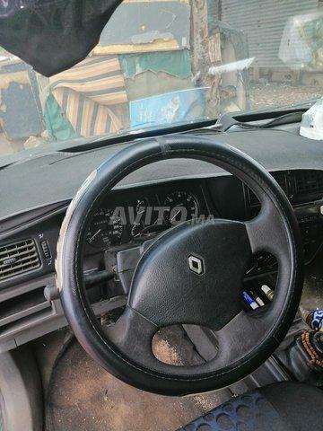 r19 Renault - 2